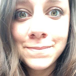 Meet your Posher, Brittney